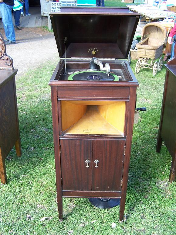 Canadian    Canadian Antique Phonograph Project. Canadian    Canadian Antique Phonograph Project