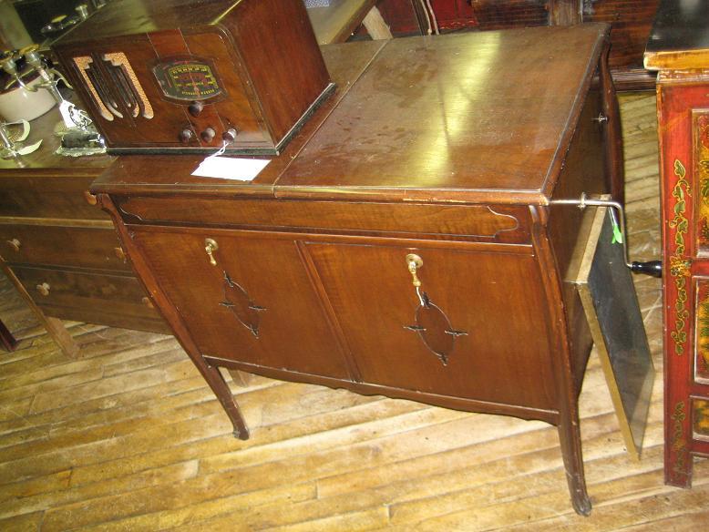Mclagan Canadian Antique Phonograph Project